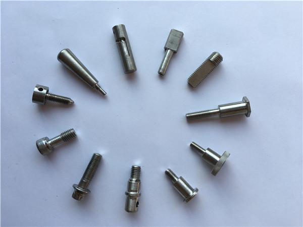 titanové upevňovací prvky hřídelové šrouby, titanové motocyklové šrouby, díly z titanové slitiny